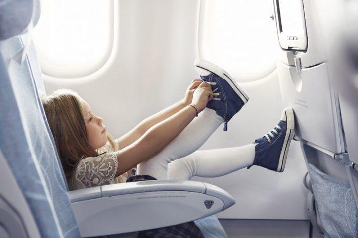 Finnair economy girl 02 Low