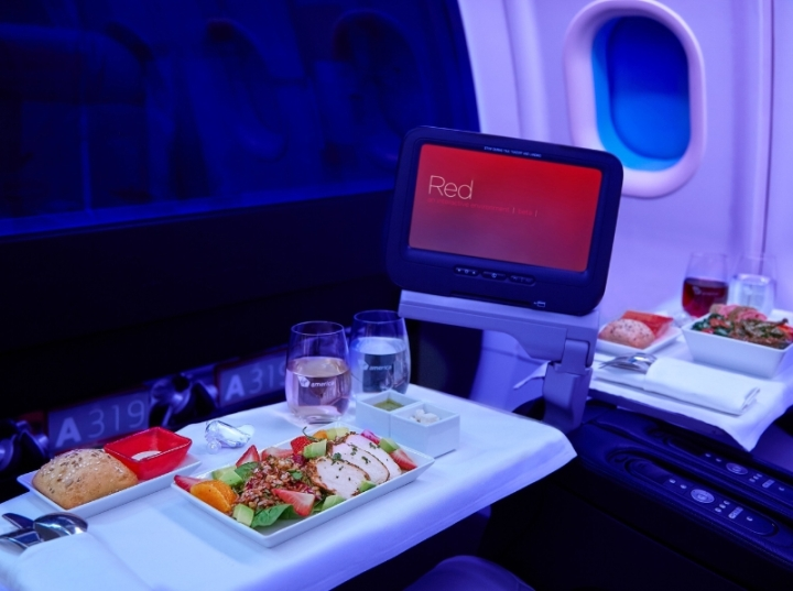 """Virgin America today announces its new summer menu and partnership with Dean & DeLuca. The airline's latest seasonal menu includes big, bold flavors, like the beef Bulgogi Bibimbap bowl and the herb roasted chicken salad with a Dijon-tarragon vinaigrette. Virgin America's focus on a fresh, diverse range of menu options has helped the airline capture the """"Best Domestic Airline for Food"""" award in the *Travel + Leisure* 2014 World's Best Awards. (PRNewsFoto/Virgin America)"""