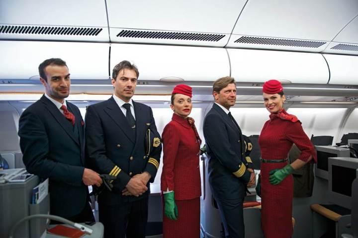 Alitalia Crew sporting new uniforms. Source: Alitalia